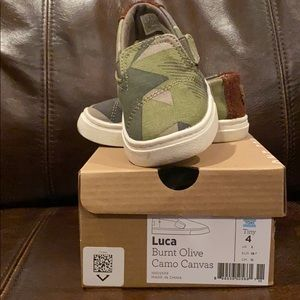 TOMS- Camo Canvas